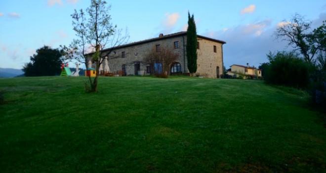 Hotel in Costa degli Etruschi: una tenuta, lucciole e rosmarino