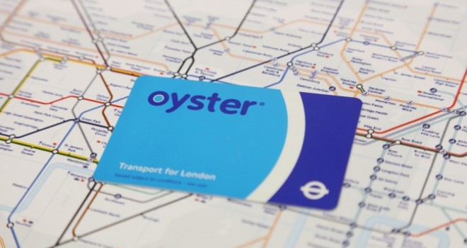 Muoversi con i mezzi pubblici a Londra: Oyster Card oppure Travelcard?