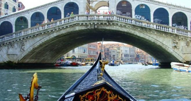 Di lagune e infinitudini. Il Carnevale di Venezia con bambini
