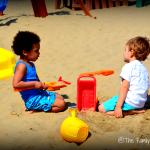 Viaggiare con bambini: da soli o in compagnia?