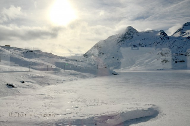 lago ghiacciato bernina express