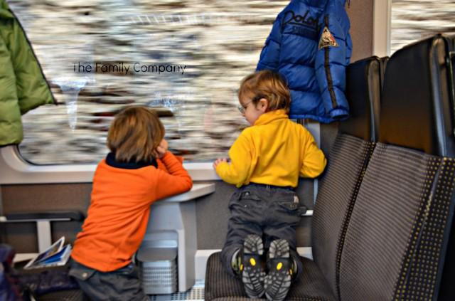 Nasi incollati ai finestrini sul Trenino Rosso del Bernina