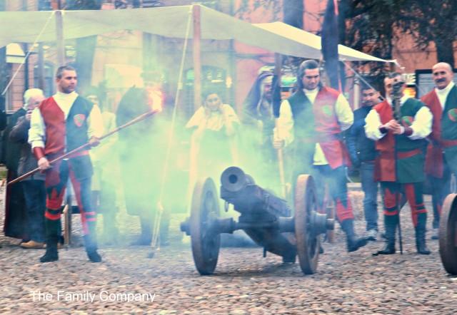 Carnevale Rinascimentale di Ferrara, colpo di cannone