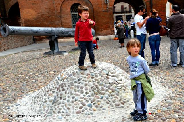 Castello Ferrara cannone