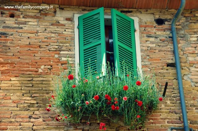 San Quirico finestra