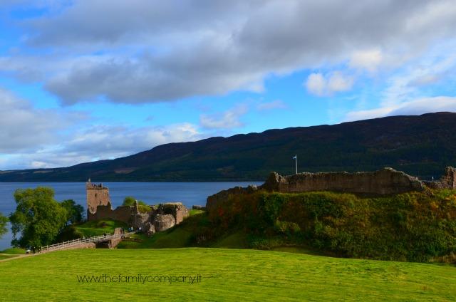 Urquhart Castle scozia