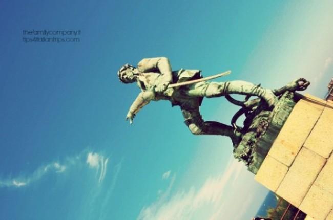 statua surcouf st malo