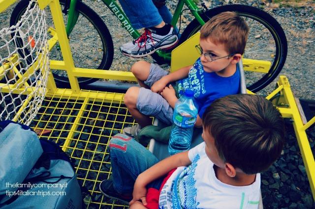 Alessio e Leonardo, concentratissimi, in attesa della partenza.