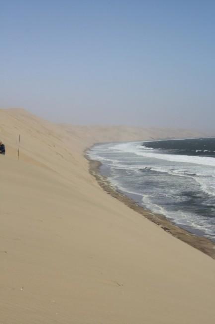 a walvis bay dove il deserto arriva fino al mare