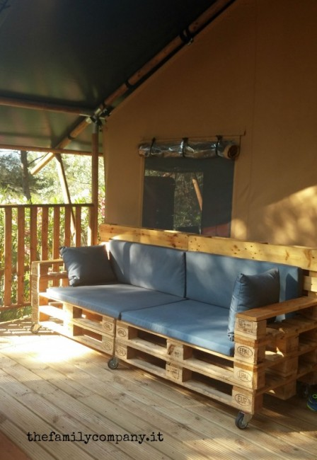 glamping divano