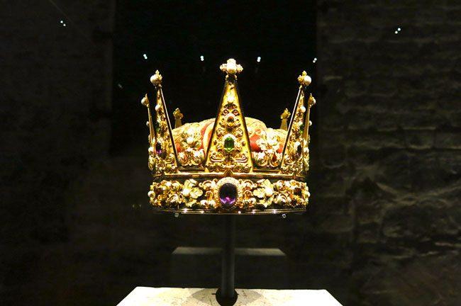 La corona. Foto Roberto Savioli