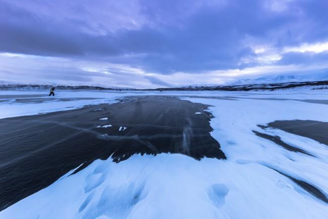 Abisko lago ghiacciato