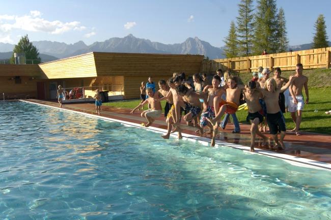 3 Seefeld_lago-piscina
