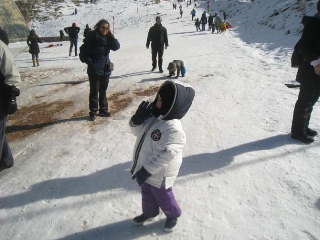 grecia con bambini in inverno