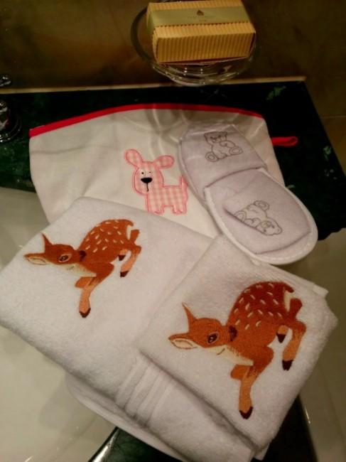 Cerbiatti ricamati per gli asciugamani baby