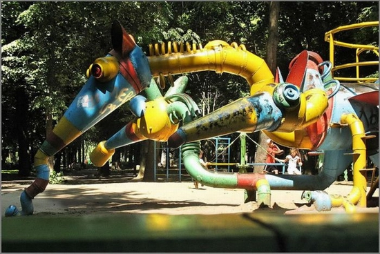 khmelnitsky-city-ukraine-playground-3
