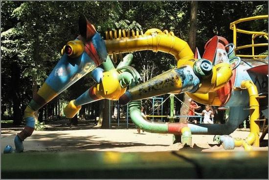 khmelnitsky-city-ukraine-playground-3
