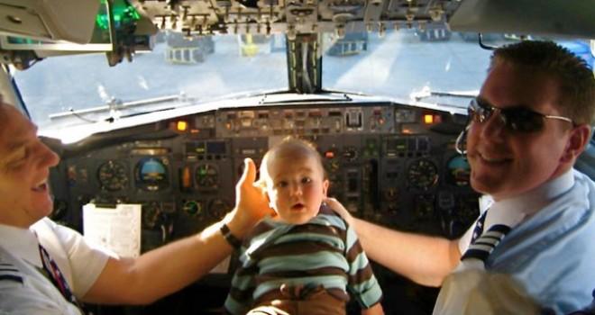 In aereo con i neonati: 10 consigli