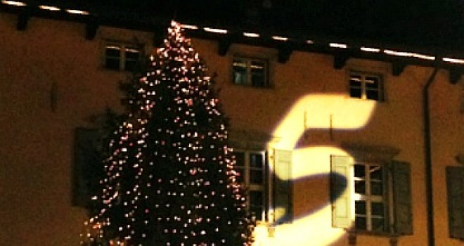 I Mercatini di Natale: Arco con bambini